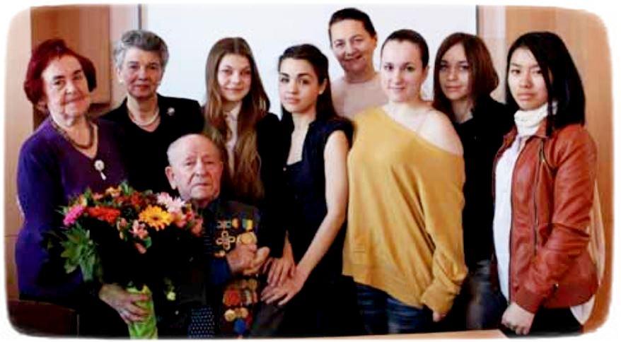 Яків Савченко з викладачами та студентами